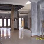 Area Ruang Keluarga Finishing Dinding dan Plafon