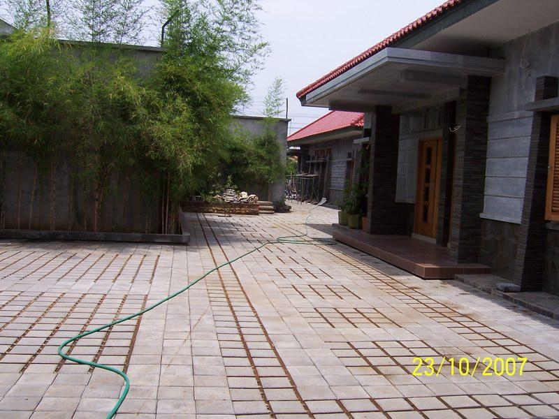 Area Teras Samping Rumah