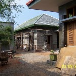Pemasangan Alumunium Foil dan Atap Genteng