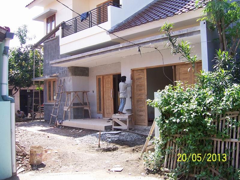 Tampak Depan Pekerjaan Finishing Dinding dan Kusen Kayu